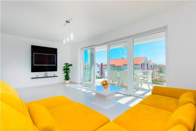Villa Royal apartment A4, aluguéis de temporada em Vodice