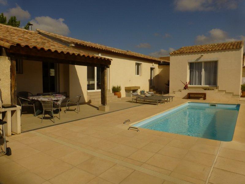Modern Villa, holiday rental in Capestang