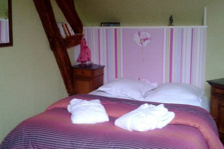 Gite cosy pour 4 dans village viticole, holiday rental in Clamanges