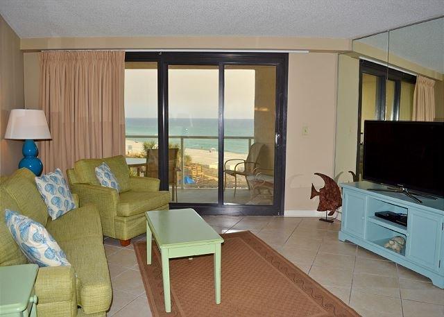 Beachside II 4245 Living Room
