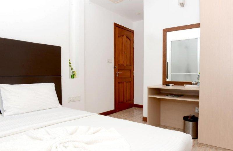 Express Inn (Standard 3), casa vacanza a Maafushi Town