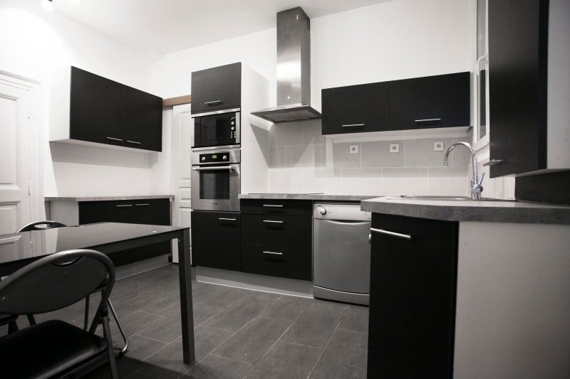 Appartment FLAT T3 67m2 Ecusson near to 'La Comédie' and ' Le Corum':, vacation rental in Montpellier