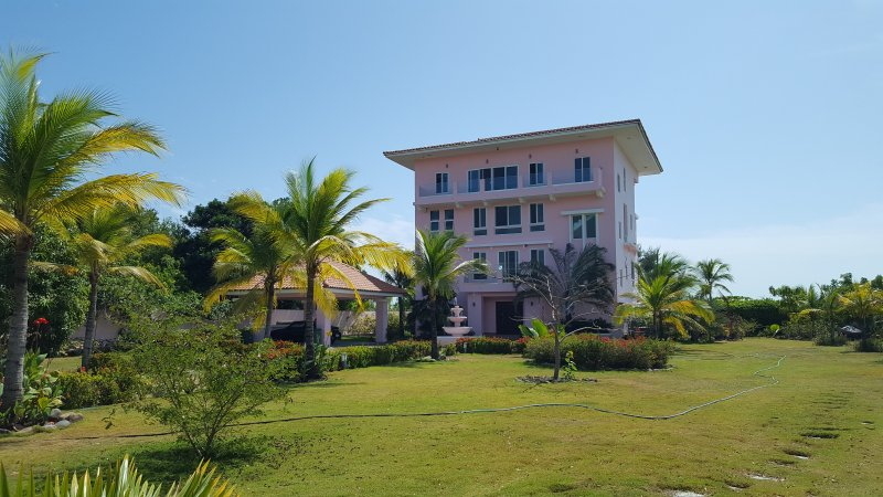 pink palace panama, vacation rental in Punta Chame