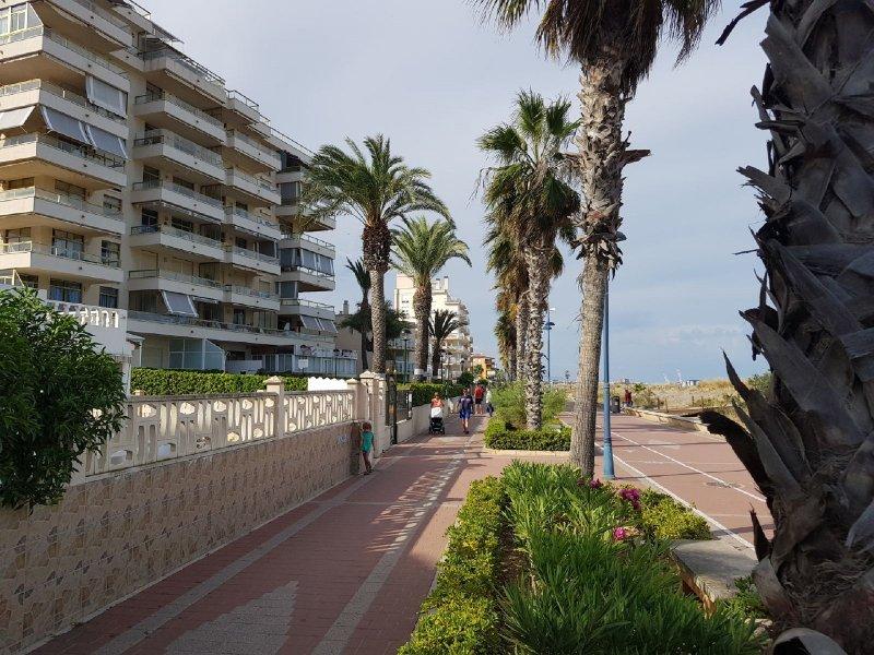 Apartamento Mediterraneo Primera linea de playa, alquiler de vacaciones en Peñíscola