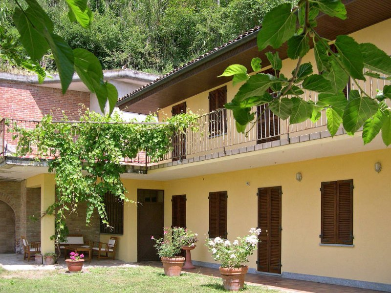 Ortondo affitti turistici, holiday rental in Cortiglione