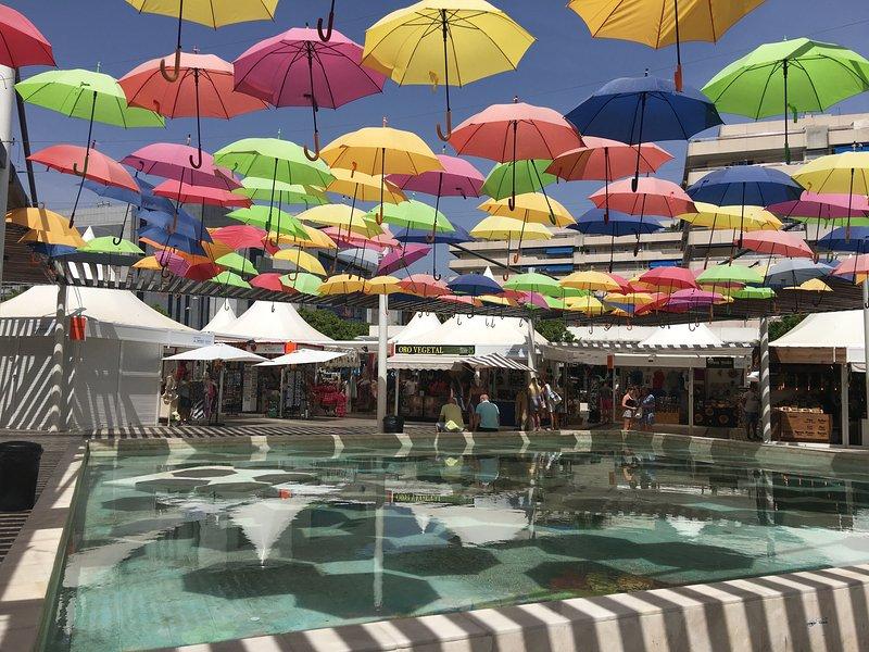 En ny rolig och färgglad display i centrala Puerto Banus.