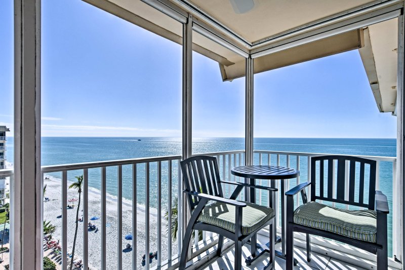 Enjoy fantastic views of the Gulf of Mexico and the community pool area from this 8th-floor, southwest facing unit!