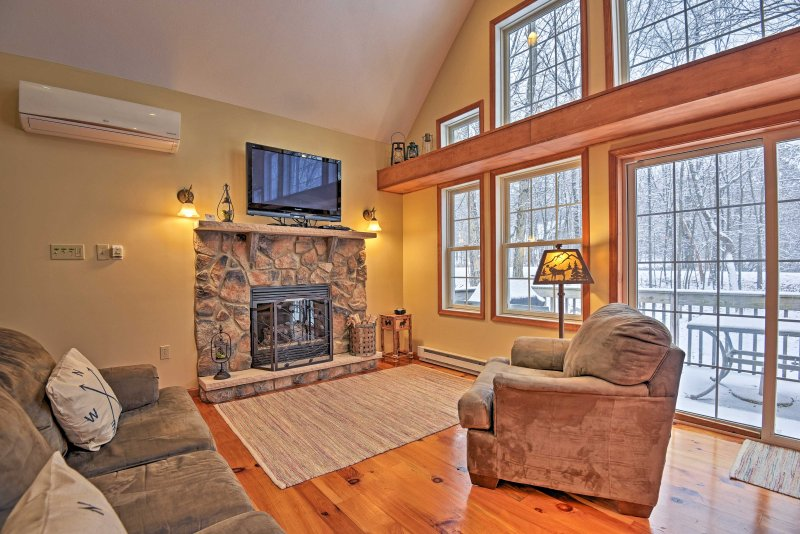 Explore the Pocono Mountain Region from this vacation rental cabin!