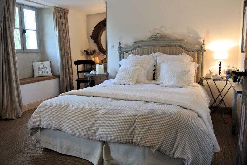 EARLYGREZ  chambre d'hôtes  à 70km sud Paris près de Fontainebleau, vacation rental in Seine-et-Marne