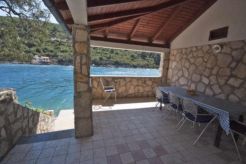 IL H(7) - Cove Stoncica (Vis), holiday rental in Vis