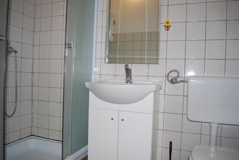 A3(4+1) C: bathroom with toilet