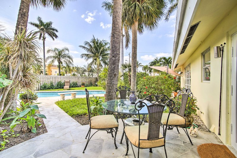 Escape to the coast at this lovely vacation rental studio in Fort Lauderdale.