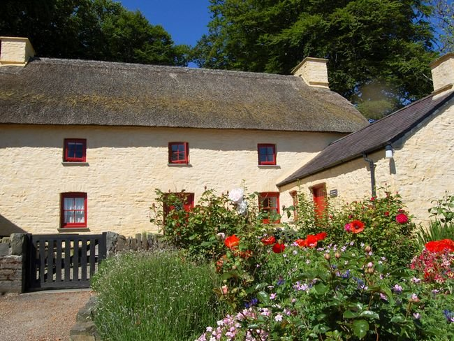 View of the pretty cottage