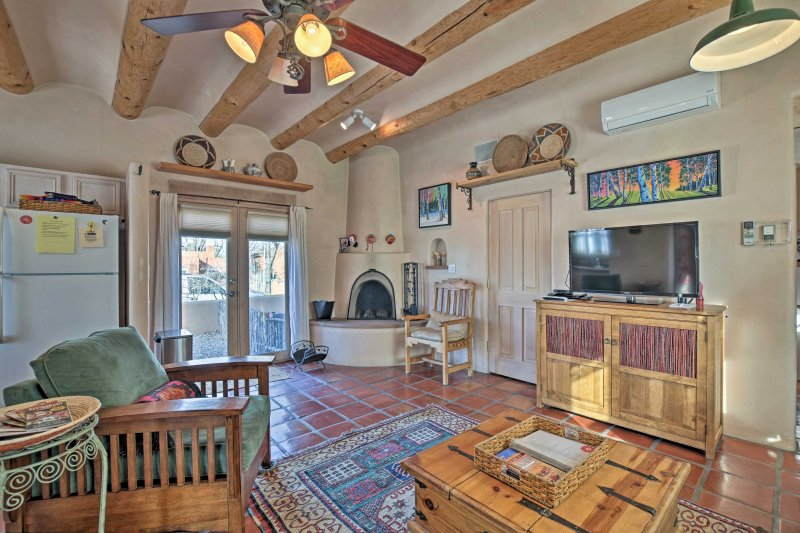 This 2-bedroom, 2-bathroom vacation rental home in Santa Fe is the perfect retreat!