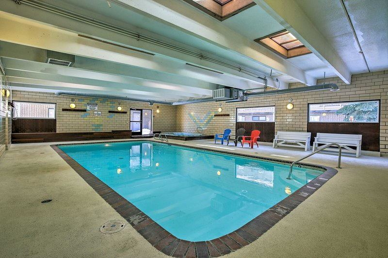 Enjoy apres-ski relaxation with the heated swimming pool, hot tub and sauna.