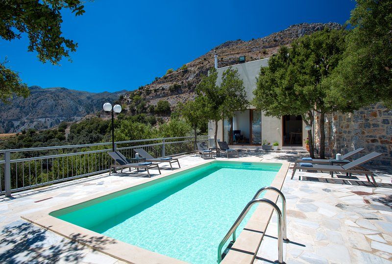 Somnia Villa, a place of dreams!, holiday rental in Frangokastello