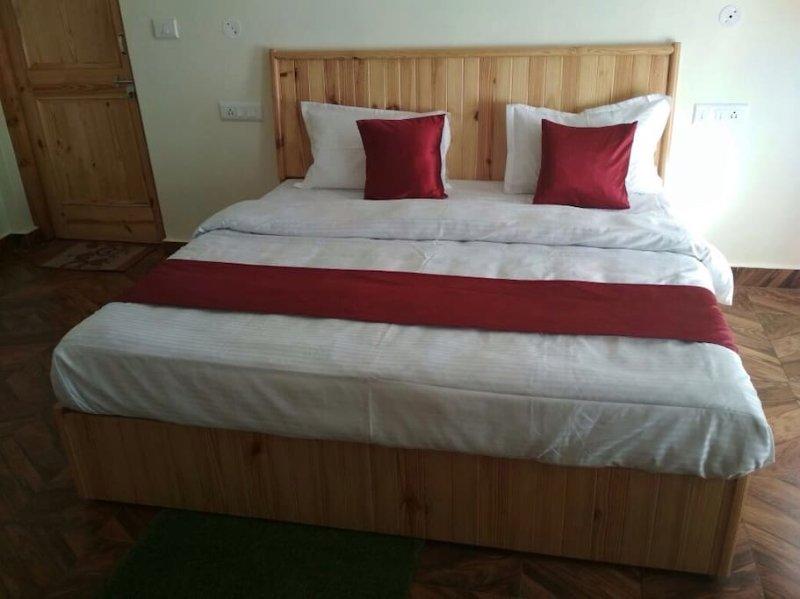 Raison Meadows: Room 2, holiday rental in Kullu District