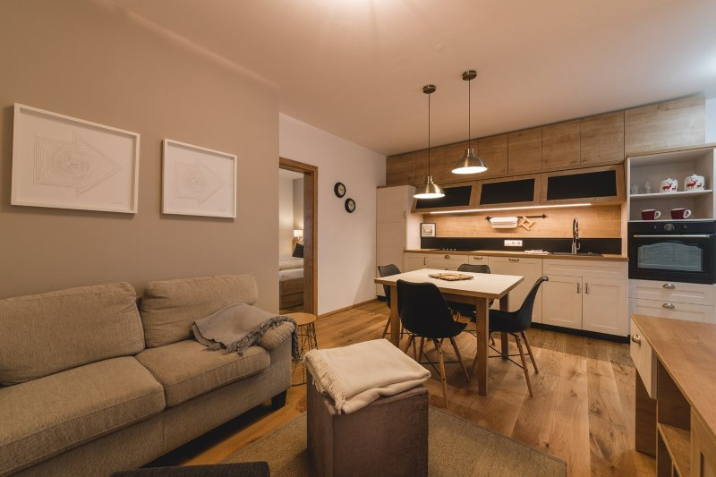 LUXURY APARTMENT in Mallnitz with Sauna - B, location de vacances à Kolbnitz
