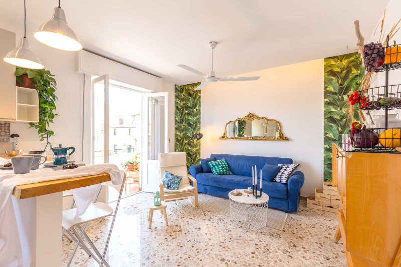 Maison Brigitte with Rooftop Terrace, holiday rental in Solanto