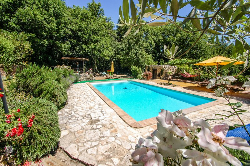 Semidetached house with private pool. Well equipped pool area!!, holiday rental in Pozzo Ciolino