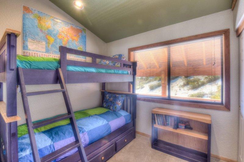 Third guest bedroom has bunk beds (2 twins)