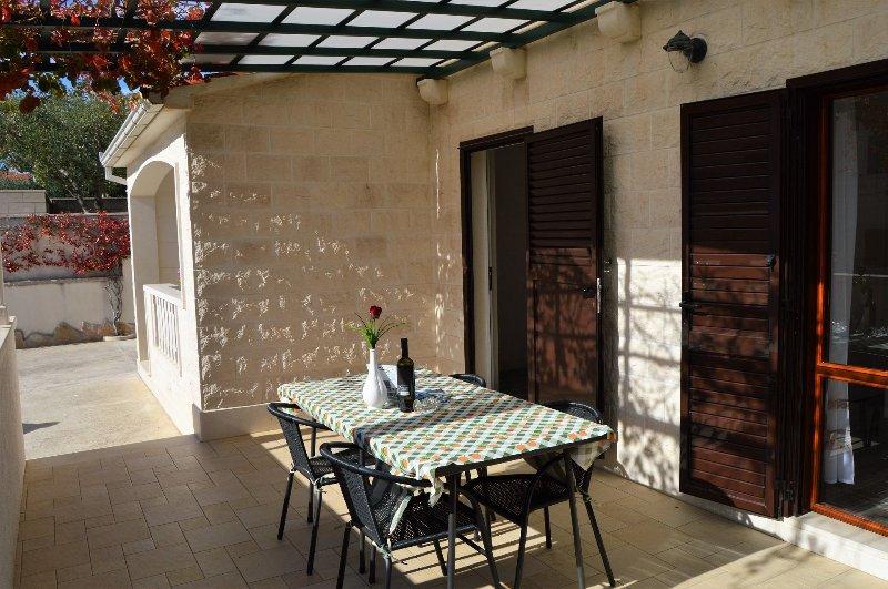 A2 Franka 2(2+2): terrace