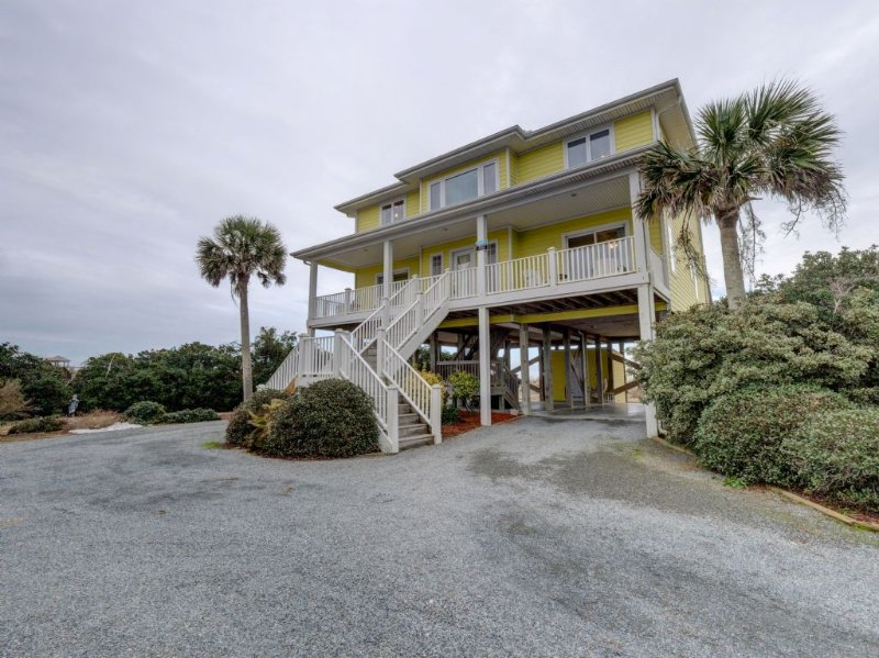 Sun Always Rises- oceanfront, holiday rental in Topsail Island