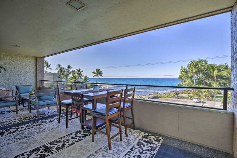 Elevate your Big Island experience with this top floor 2-bedroom, 2-bathroom Kailua-Kona vacation rental condo!