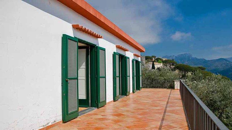 24 Villa Tara bedrooms terrace