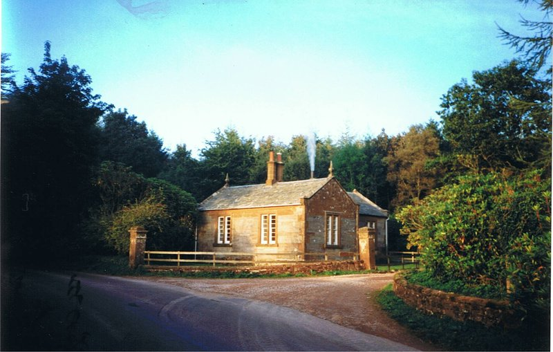 West Lodge, detached 2bedrm cottage on edge of Kirkwood farm RealFarmHolidays, vacation rental in Lockerbie