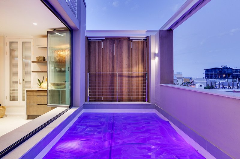 Cape Town Apartment Sleeps 6 with Pool and Air Con - 5574431, holiday rental in De Waterkant