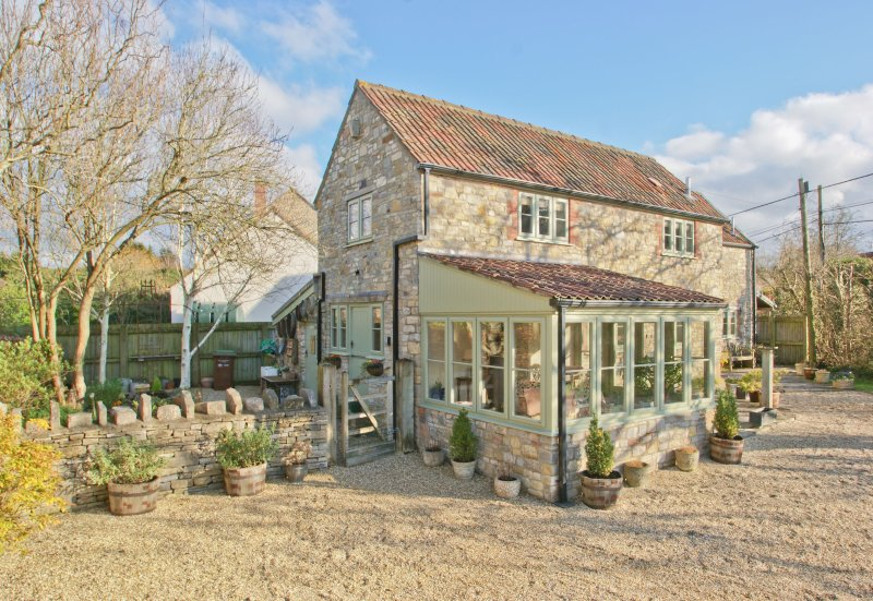 Gorgeous Character Cottage (Recently Refurbished) With Modern Interior