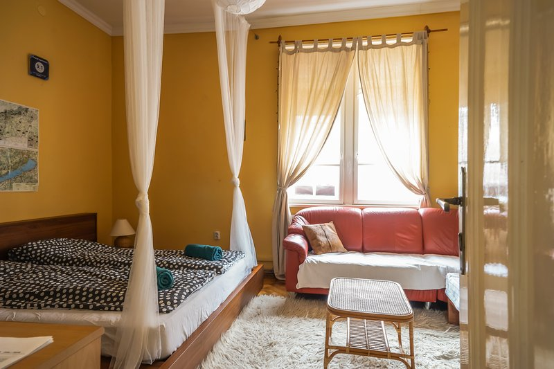 Petzval apartman - free WI-Fi, holiday rental in Tordas