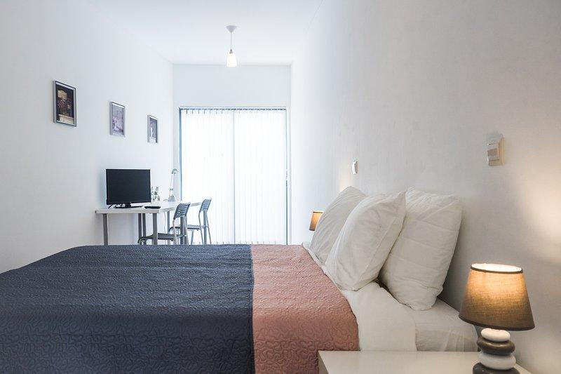 Room 2 (flower) | quarto 2 (flower)