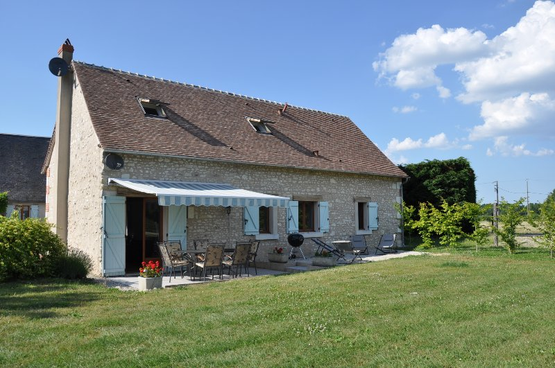 Villa Peuplier (3 bedrooms - 6 sleeps) with secluded terrace, alquiler vacacional en Loches
