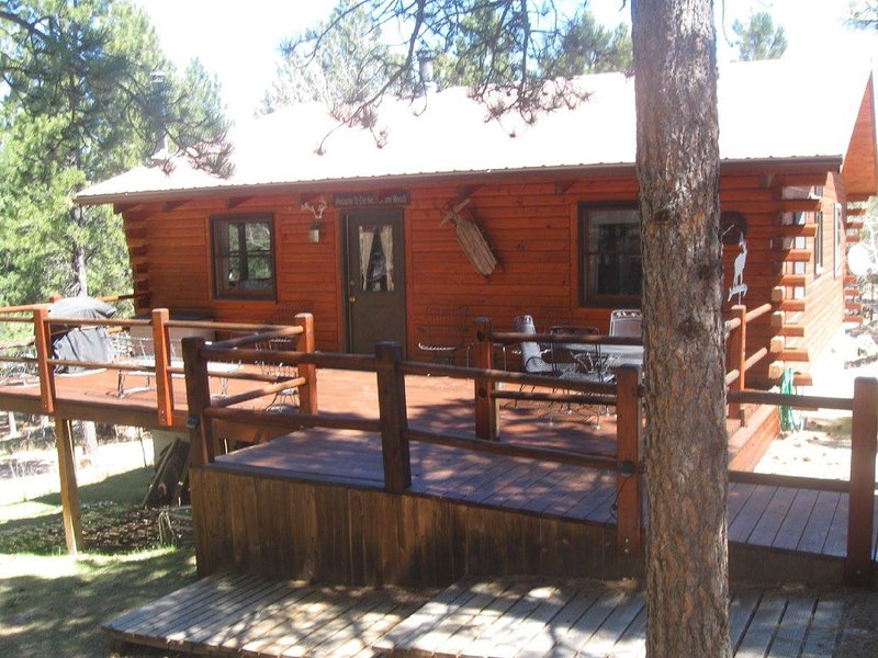 Swiss Drive Centrally located to all attractions!, location de vacances à Rapid City