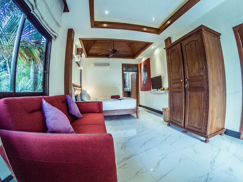Bedroom nr 1 in Apartment nr 1 on the first level with 2 bedrooms, King Bed, bed sofa En Suite