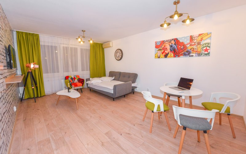 Athene Apartment - Cismigiu Gardens - Living-room - extended couch