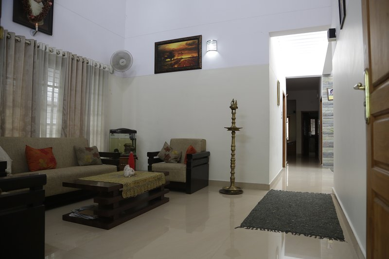 GOPISADHANA  The Paradise - HOMESTAY - NO OF BEDROOMS 2, vacation rental in Kazhakkoottam