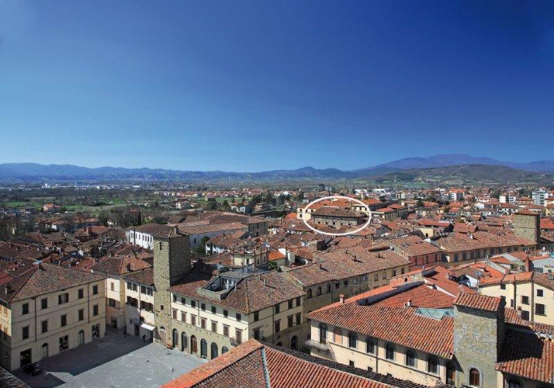 Appartamento nel centro storico di Sansepolcro, Palazzo Aloigi Luzzi, sec.XVIII, location de vacances à San Giustino