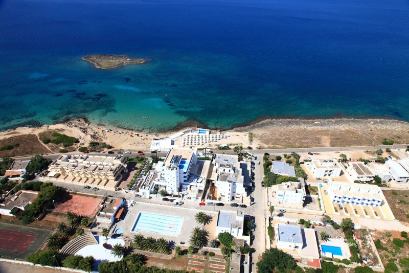Mare di Pazze - Apartment with Sea View Standard Rate, vacation rental in Torre San Giovanni