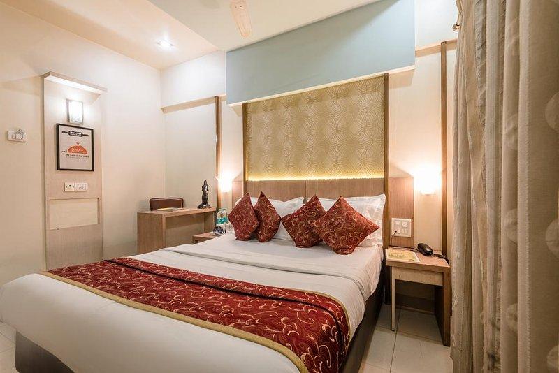 Hotel Panchratna (Luxury 4), holiday rental in Matheran