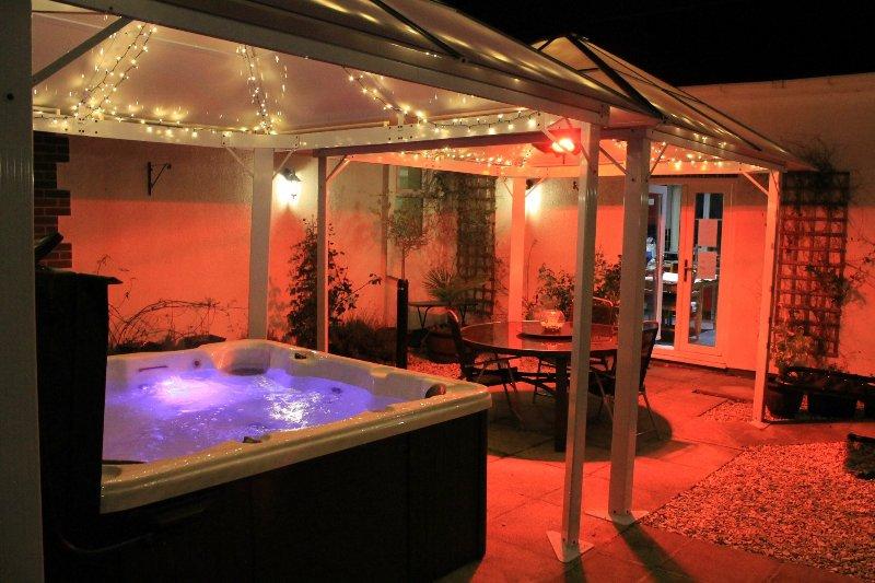 New Hot Tub und Pavillons mit Heizung und Beleuchtung für den ganzjährigen Einsatz