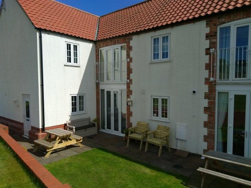 The Corner House, Easton Meadows, Bridlington YO16 4XF, vacation rental in Bridlington