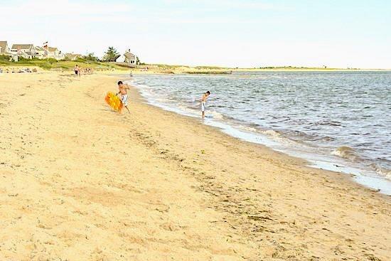 Minder dan vijf minuten lopen naar het prachtige strand van Ridgevale!
