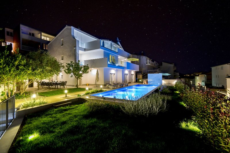 Villa My Happy Place with Swimming Pool, holiday rental in Podstrana