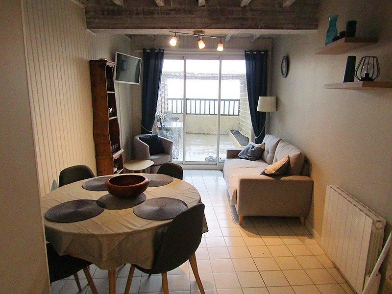 Gite des remparts - Location à Lectoure dans le Gers au pied du centre thermal, holiday rental in Saint-Clar