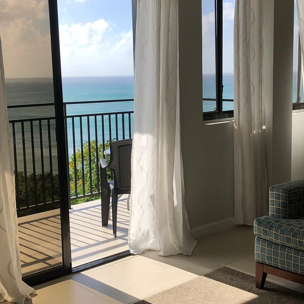 GORGEOUS Views, GREAT Location, Apt 5: Modern 2-bed, 2-bath Villa, location de vacances à Gros Islet