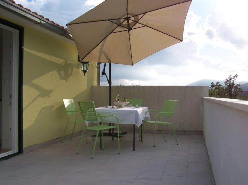Relax apartment Barby, holiday rental in Kastel Kambelovac