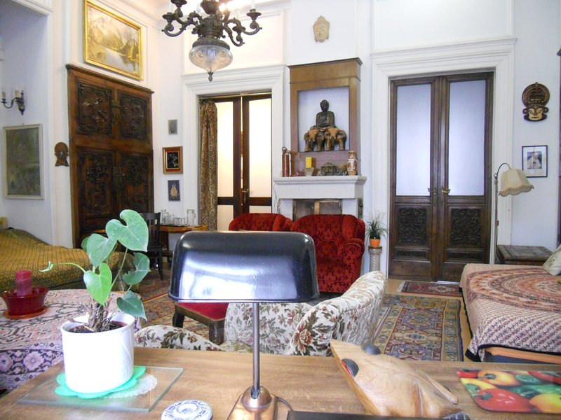 The Buddha suite with 2 entry - next to the Baroque suite each sleeps up tp 6 persons